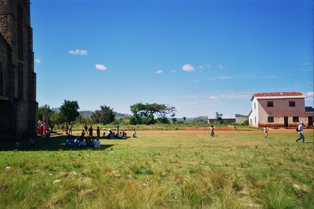 Iarinoro place sans école